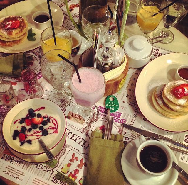 Cherry milkshake and porridge