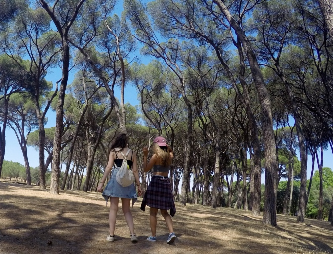 Showing Minnie around Casa de Campo