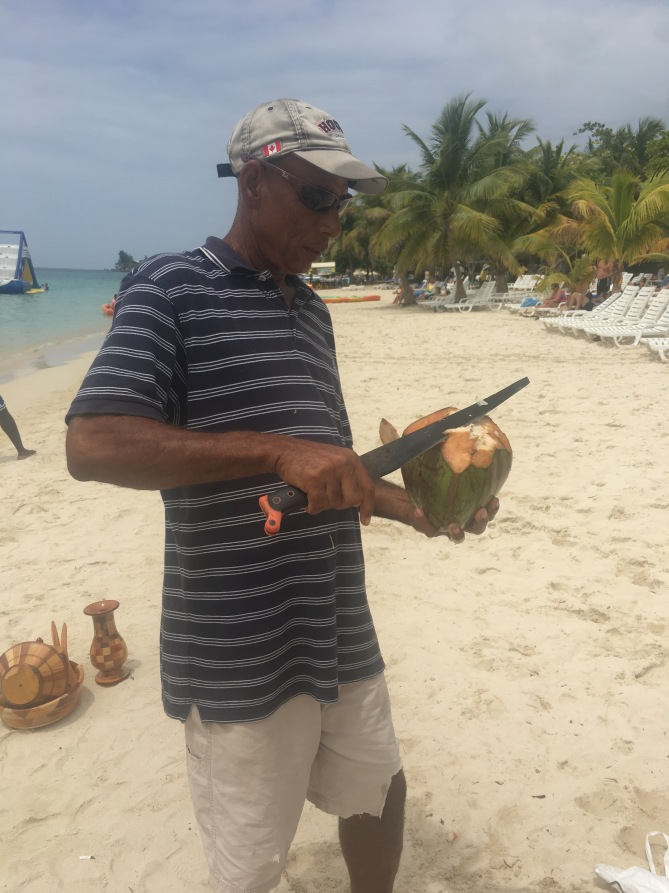 *Warning: Graphic Content* MAN VIOLENTLY SLAUGHTERS COCONUT IN HONDURAS